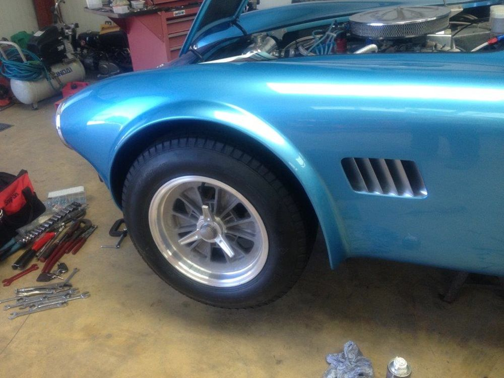 Image of Cobra Kit Car Knock On Wheel Hubs 005