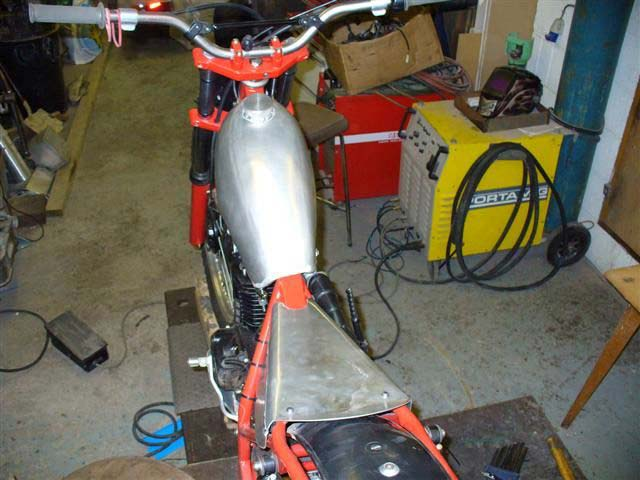 Image of Seeley Honda Fuel Tank   021